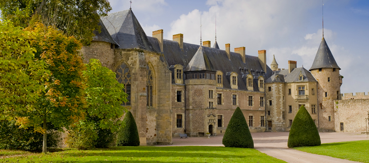 chateau-de-lapalisse