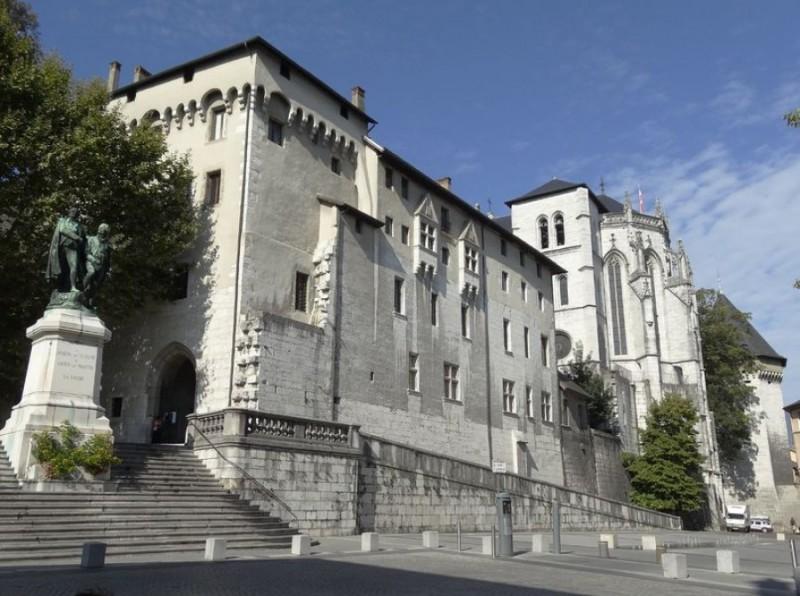 chateau-ducs-savoie