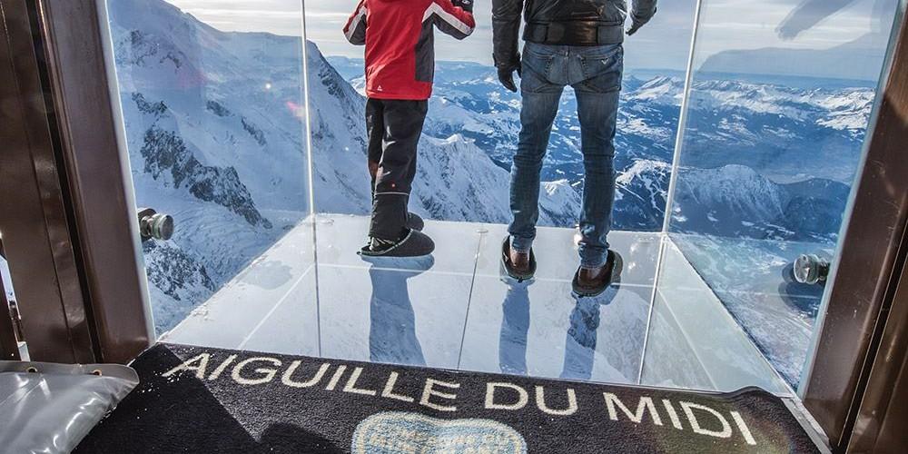 Aiguille Du Midi Le Pas Dans Le Vide ascension à sensation sur l'aiguille du midi